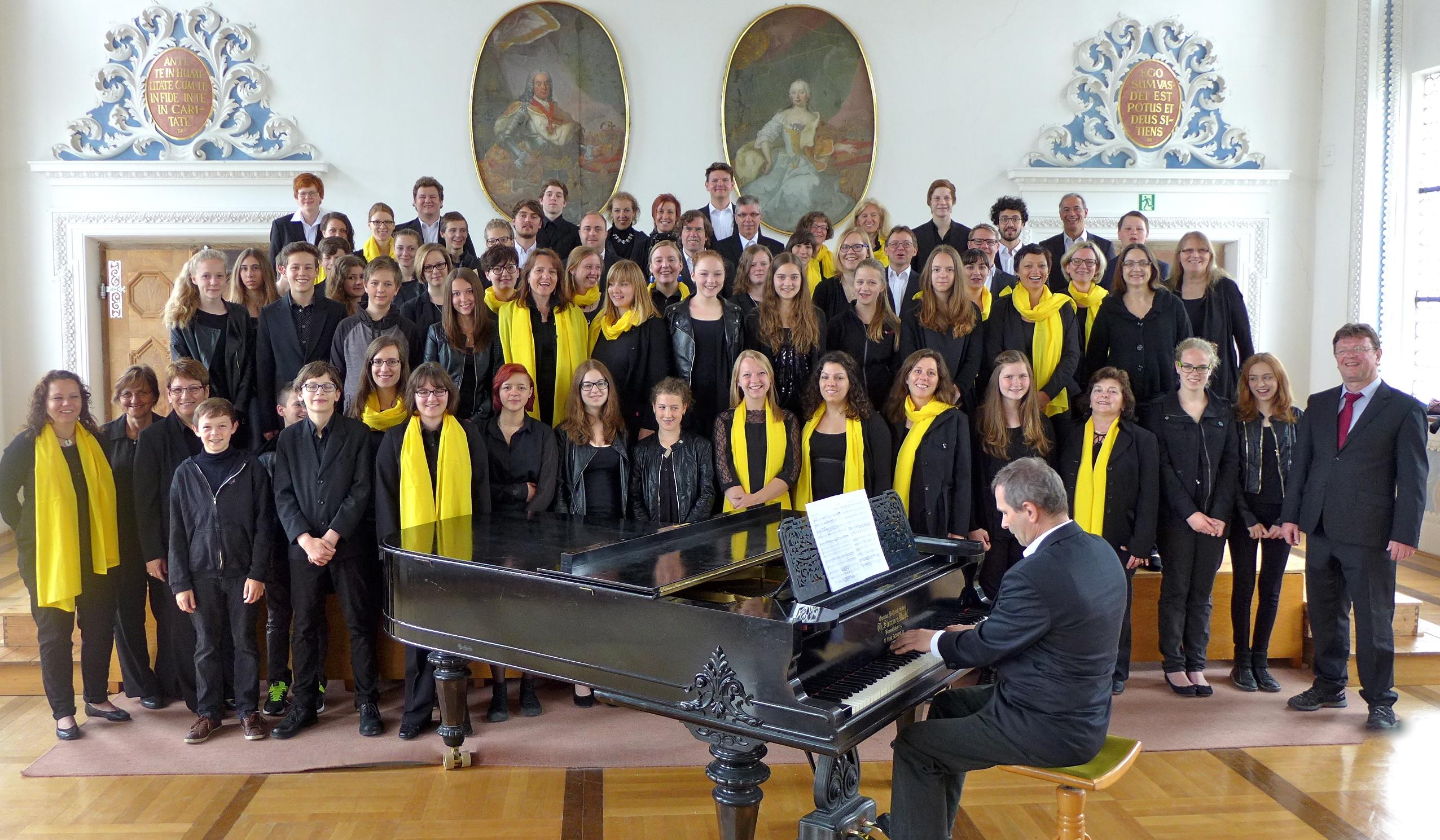 camerata vocale Günzburg und die Chorschule des St.-Thomas-Gymnasiums Wettenhausen