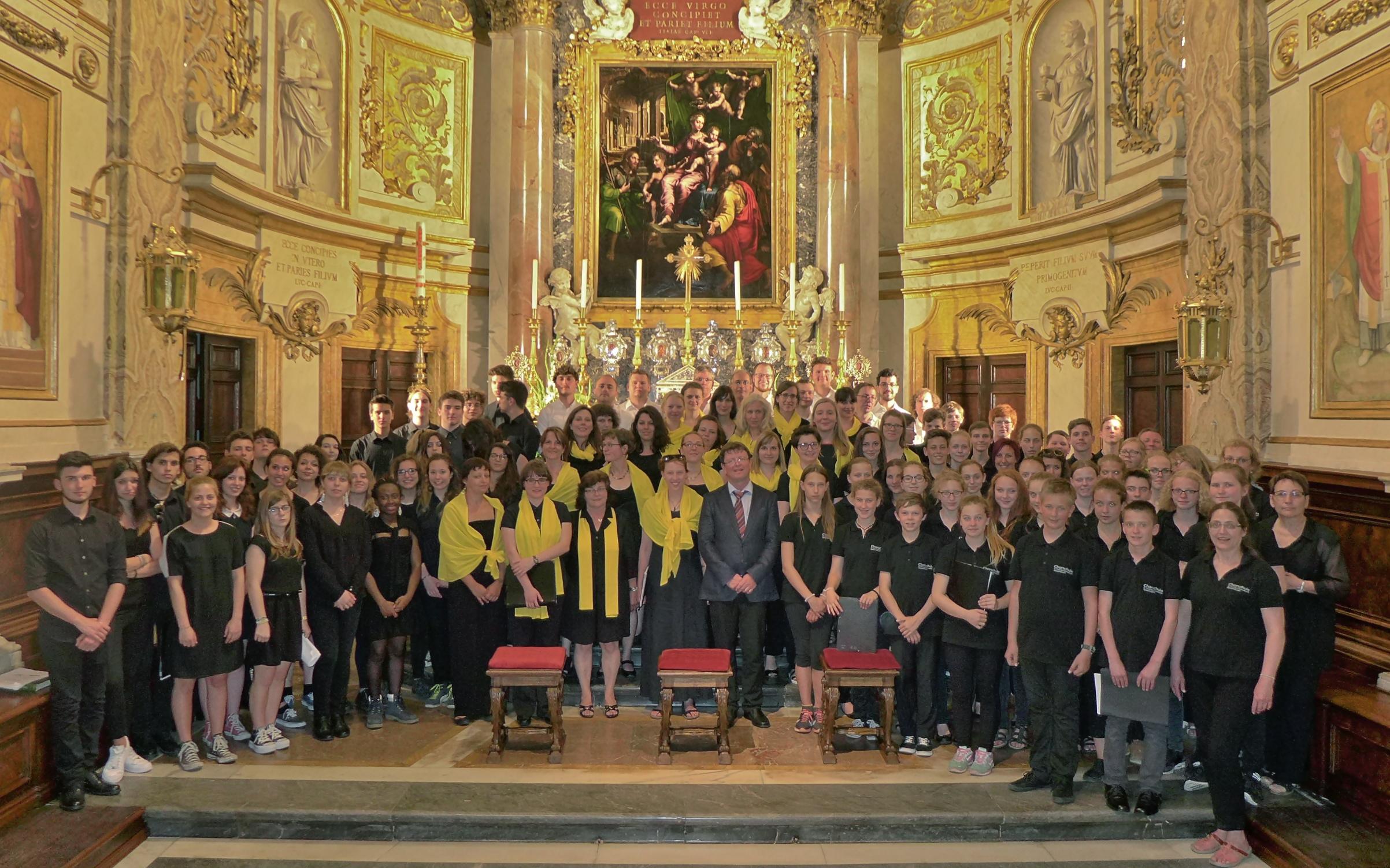 Die SängerInnen aller beteiligten Chöre in Rom 2015 (in der Kirche St. Maria dell´Anima)